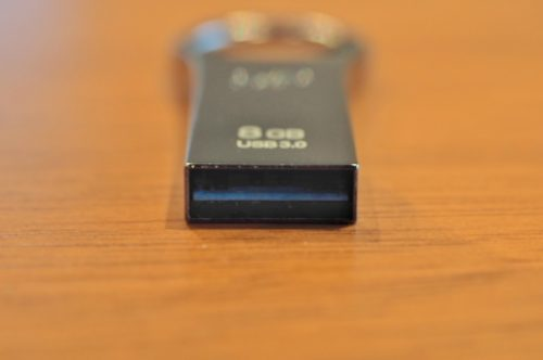 USBメモリ-デザイン
